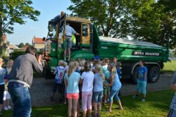 Verkeersles voor basisschoolkinderen in Winsum