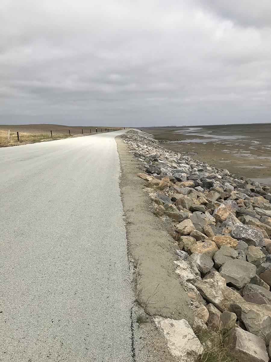 aanstorten-betonsteen-zeedijk-ameland