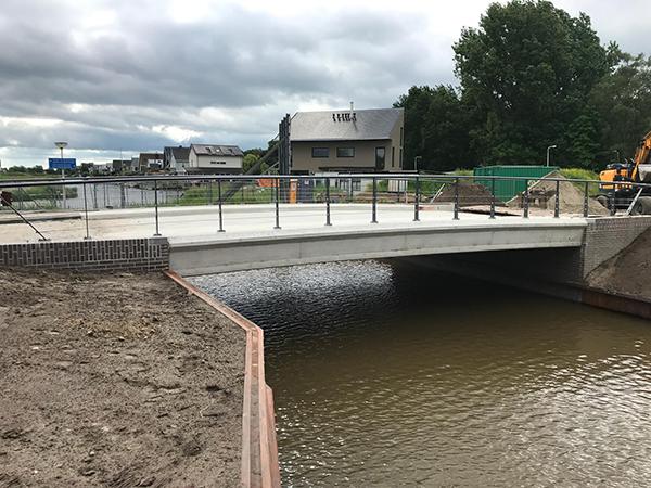brug-DeLuwte-Drachten-Drachtstervaart-beton
