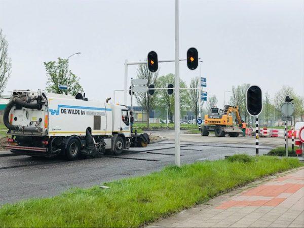 Planetenlaan_Leeuwarden_werkzaamheden_vegen_en_Plaklaag_voor_asfalrt