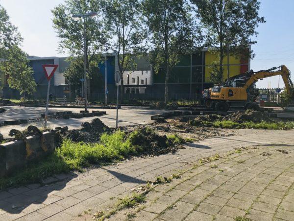 In-Leeuwarden-is-de-weg-opengebroken