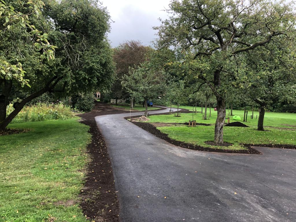 asfalt asfalteren erfverharding verharding friesland noord-nederland particulier, oprit, tuin