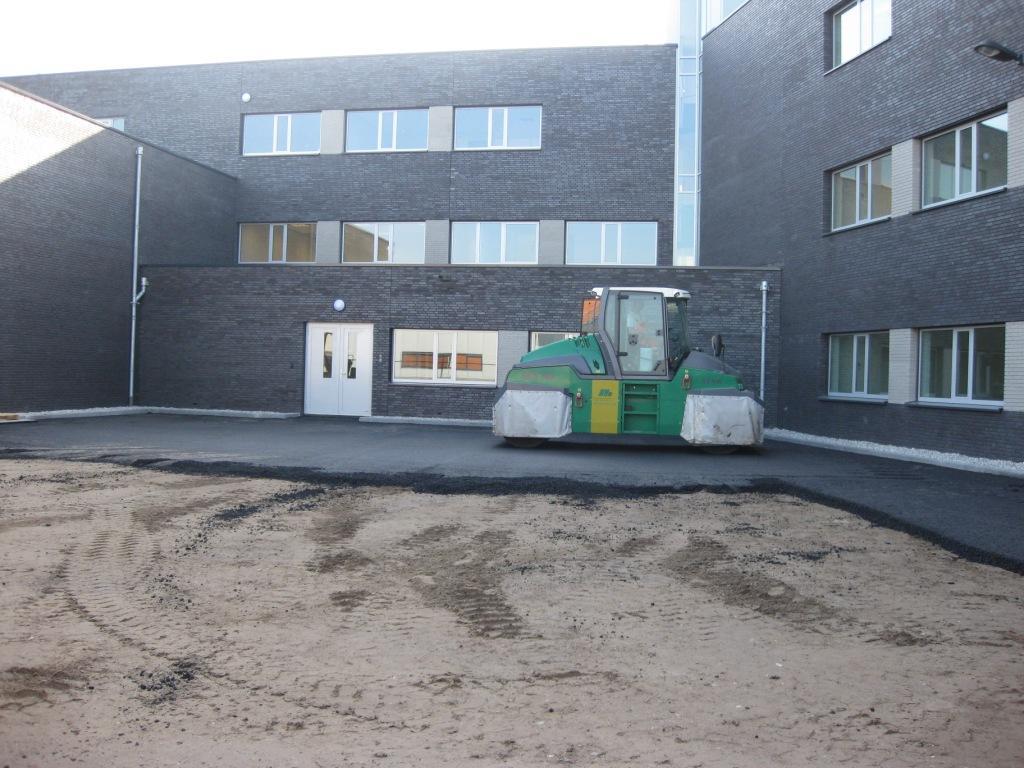asfalt, asfalteren bedrijventerrein, parkeerterrein zakelijk friesland noord nederland